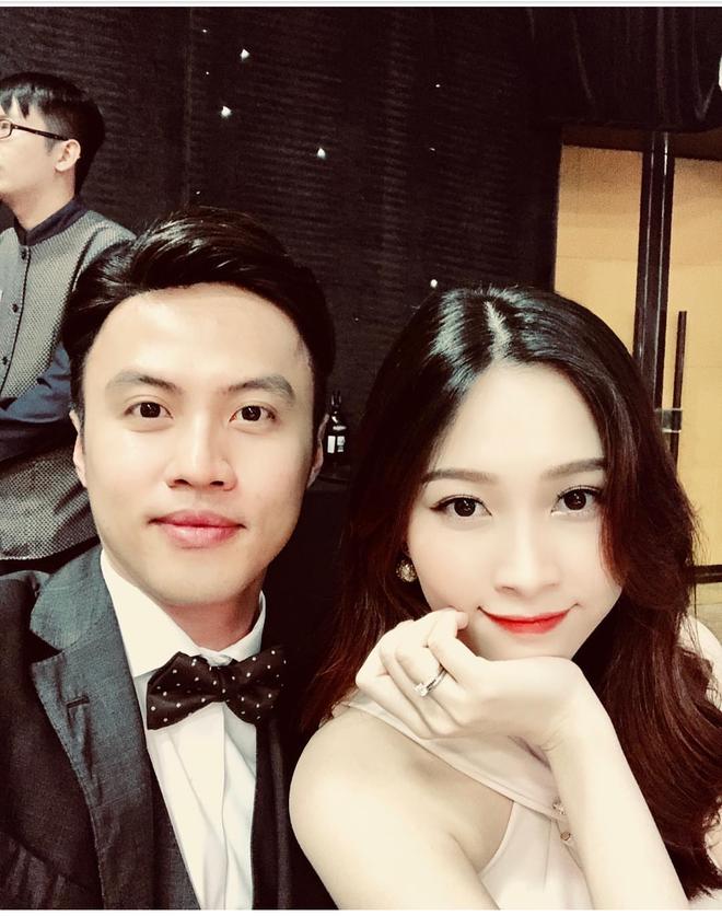 Hoa hậu Đặng Thu Thảo khoe nhan sắc rực rỡ kinh ngạc sau 2 tháng sinh con gái đầu lòng - Ảnh 1.