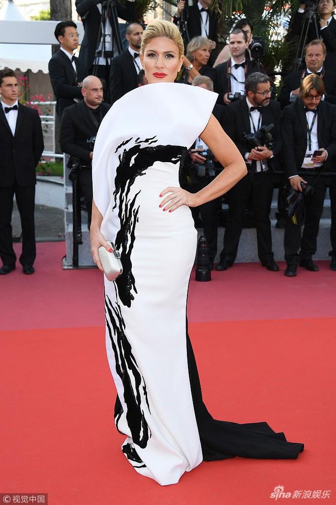 Thảm đỏ Cannes ngày bế mạc: Người nỗ lực diện váy áo xuyên thấu khoe thân, kẻ bị lộ nội y kém duyên  - Ảnh 16.