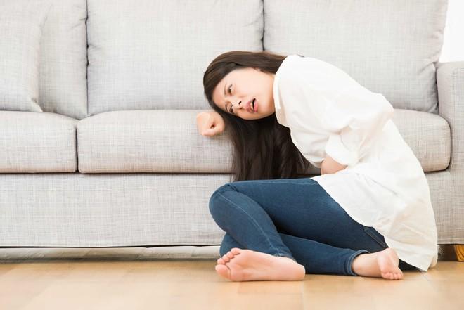 6 dấu hiệu cảnh báo gan nhiễm mỡ mà bạn không nên chủ quan bỏ qua - Ảnh 1.