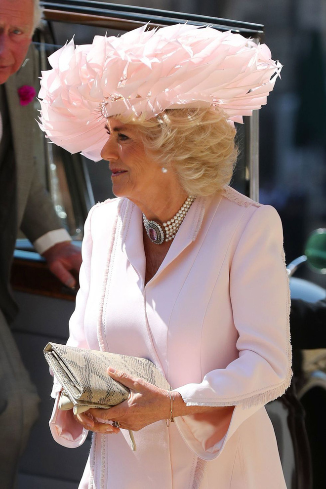 Ngắm thời trang tại đám cưới hoàng gia mà bỏ lỡ 15 chiếc mũ tinh xảo này thì bạn đã bỏ qua đặc sản rồi - Ảnh 10.