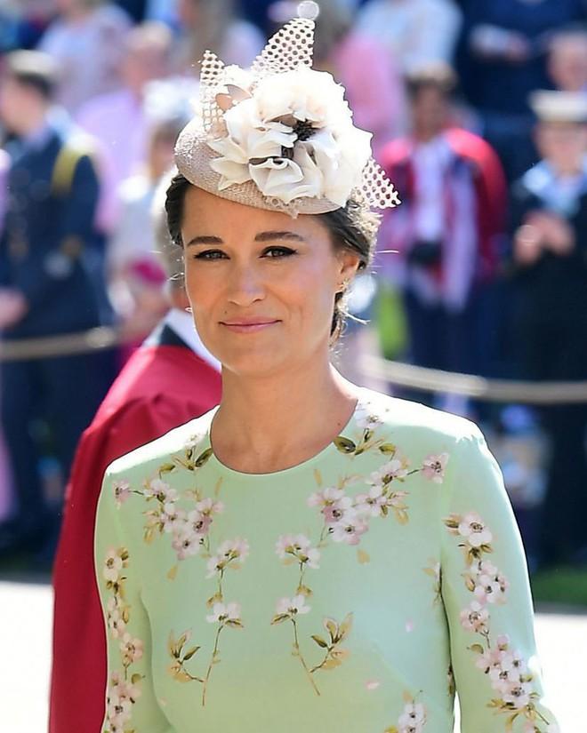 Ngắm thời trang tại đám cưới hoàng gia mà bỏ lỡ 15 chiếc mũ tinh xảo này thì bạn đã bỏ qua đặc sản rồi - Ảnh 14.