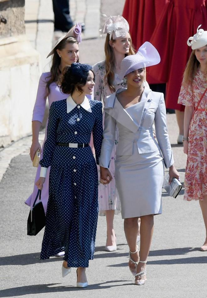 Không chỉ có cô dâu, dàn khách mời của đám cưới Hoàng gia cũng có 10 bộ cánh xuất sắc thật sự - Ảnh 5.