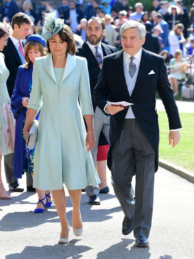 Không chỉ có cô dâu, dàn khách mời của đám cưới Hoàng gia cũng có 10 bộ cánh xuất sắc thật sự - Ảnh 7.