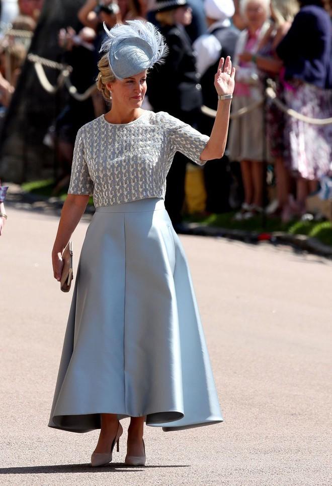 Không chỉ có cô dâu, dàn khách mời của đám cưới Hoàng gia cũng có 10 bộ cánh xuất sắc thật sự - Ảnh 8.