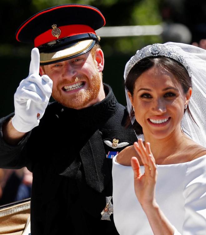 Đám cưới vừa diễn ra được 1 ngày, phóng viên hoàng gia đưa ra tuyên bố bất ngờ về dự định sinh con của Hoàng tử Harry và tân Công nương Meghan - Ảnh 1.