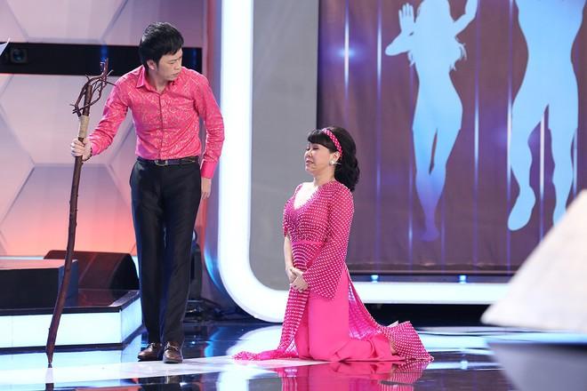 Hoài Linh - Trấn Thành gây sửng sốt với màn diễn live cùng thánh lồng tiếng - Ảnh 4.