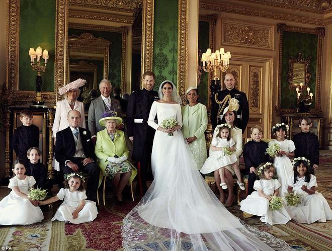 Những hình ảnh đầu tiên về đám cưới Hoàng gia đẹp mê mẩn chính thức được công bố - Ảnh 2.