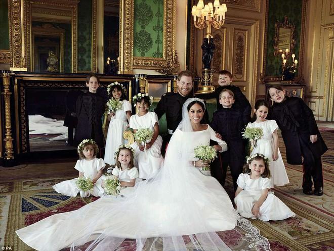 Những hình ảnh đầu tiên về đám cưới Hoàng gia đẹp mê mẩn chính thức được công bố - Ảnh 3.