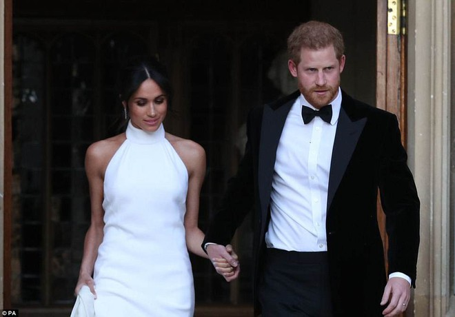Những hình ảnh đầu tiên về đám cưới Hoàng gia đẹp mê mẩn chính thức được công bố - Ảnh 5.