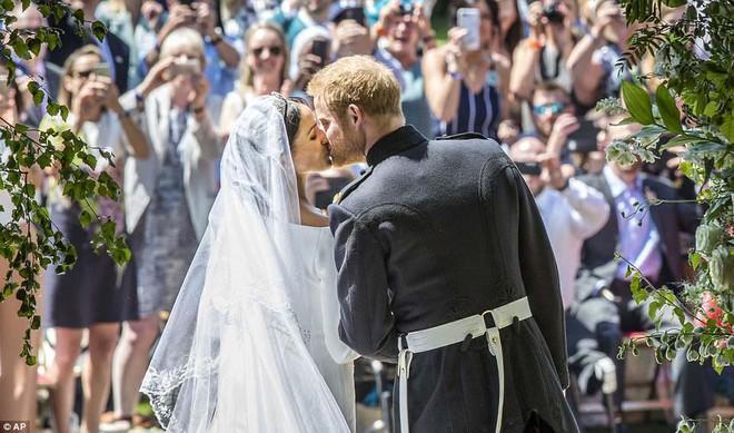 Những hình ảnh đầu tiên về đám cưới Hoàng gia đẹp mê mẩn chính thức được công bố - Ảnh 7.