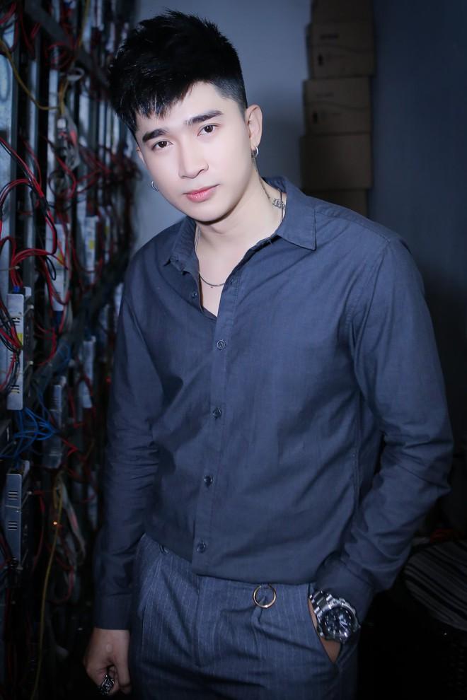 Ca sĩ Việt tiết lộ những thời điểm từng phải vay mượn khắp nơi để thực hiện sản phẩm âm nhạc - Ảnh 3.