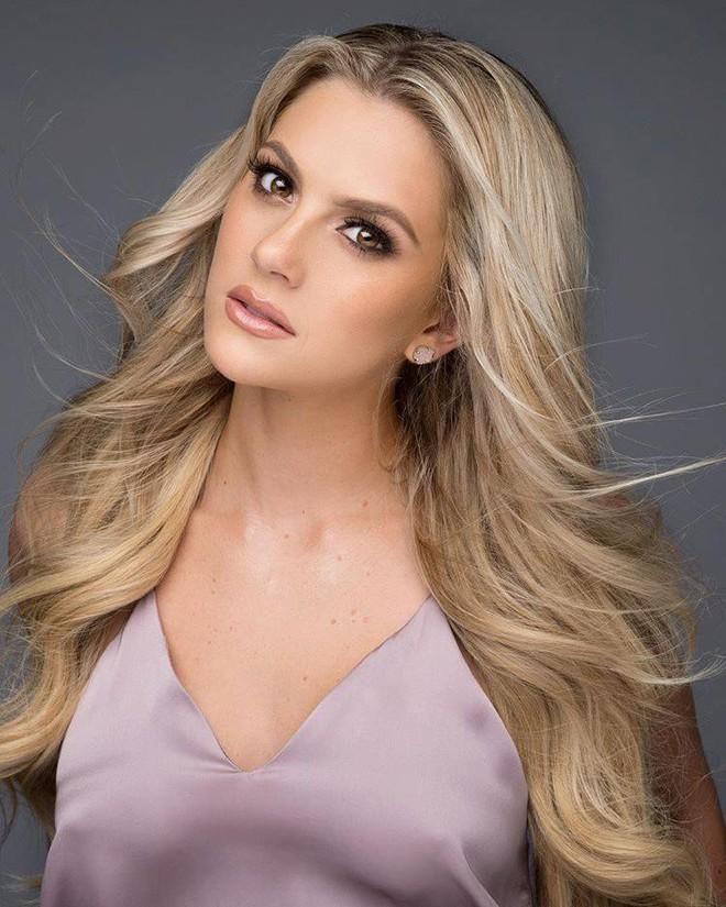 Cận cảnh thân hình nóng bỏng của người đẹp nấm lùn cao 1m65 vừa đăng quang Hoa hậu Mỹ 2018 - ảnh 7