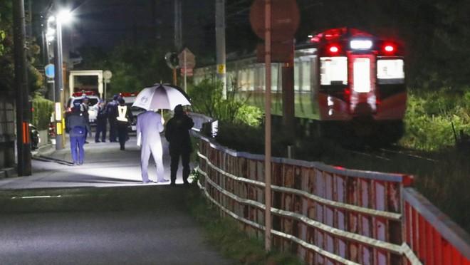Nhật Bản: Bé gái 7 tuổi bị xe lửa đâm và sự thật về cái chết của em khiến cho người dân vừa run sợ vừa phẫn nộ - Ảnh 3.