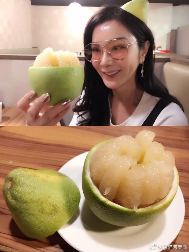 """Ăn mặc gợi cảm lại sở hữu làn da căng bóng, chẳng ai ngờ """"lão bà đẹp nhất Đài Loan"""" năm nay đã 62 tuổi - Ảnh 9."""