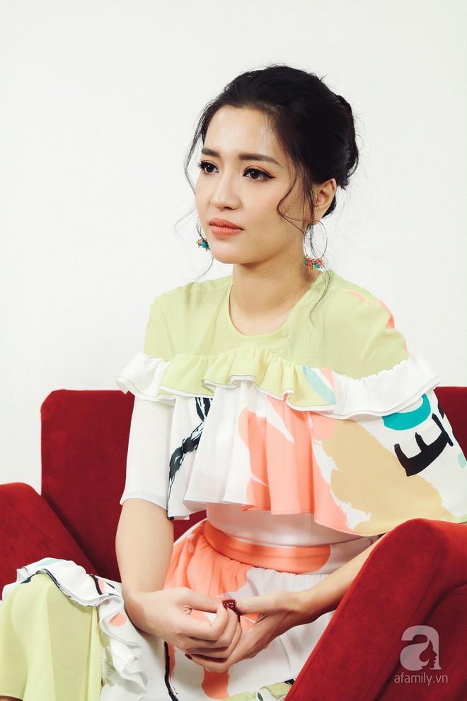 Bích Phương thú nhận phải giả bộ đau khổ, rất bức bối khi hát nhạc buồn - Ảnh 2.