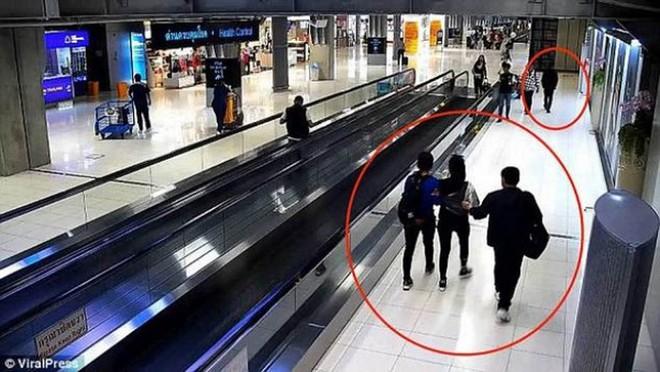 Nữ du khách bị nhóm người bắt cóc táo tợn ngay tại sân bay Bangkok, đòi tiền chuộc hơn 10 tỷ - Ảnh 2.
