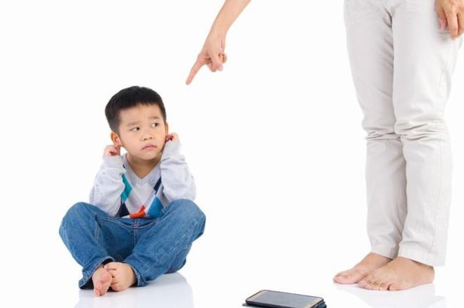 Nếu có 1 trong những dấu hiệu này, chứng tỏ bạn đã dạy con quá nghiêm khắc, cần nới lỏng kỷ luật hơn - Ảnh 1.