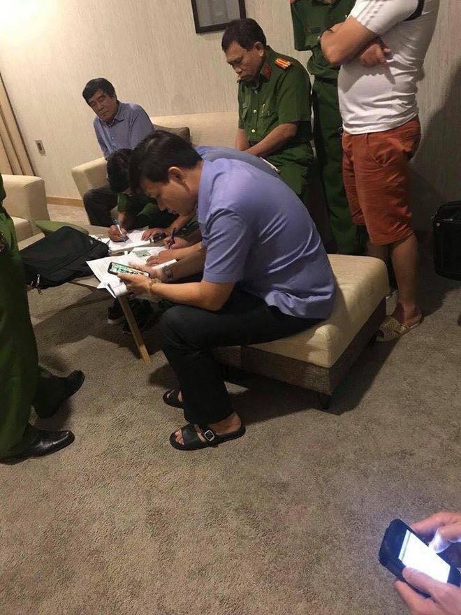Phó chủ tịch VFF phủ nhận thông tin mua dâm ở khách sạn, cho biết chỉ sơ suất vì không đăng ký lưu trú cho cô gái đi cùng - Ảnh 1.