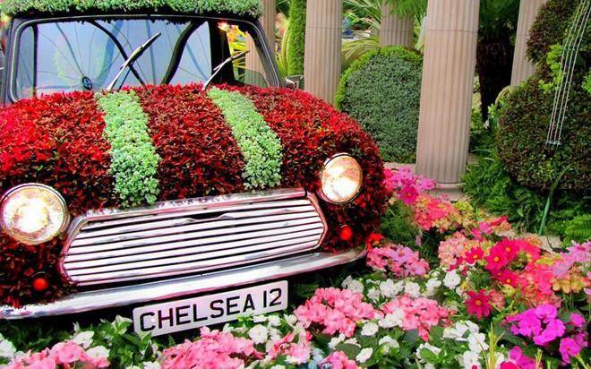 Bộ sưu tập thời trang từ hoa tuyệt đẹp của các nhà thiết kế Hoàng gia Anh - Ảnh 10.