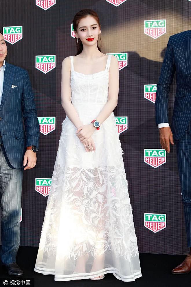 Cùng sửa lại váy xuyên thấu, Angela Baby đẹp tựa công chúa còn Chompoo Araya lại lép vế vì vóc dáng thô - Ảnh 6.
