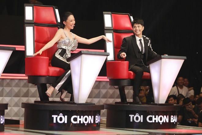 Giành thí sinh xinh đẹp, hát hay quyết liệt, Noo Phước Thịnh trách Tóc Tiên: Đừng mượn gió bẻ măng - Ảnh 4.