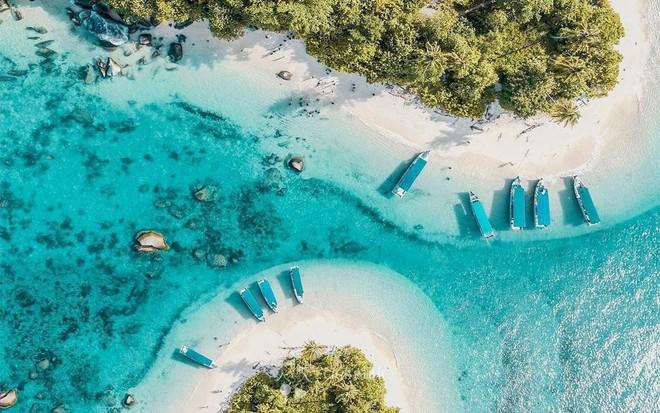 Ngoài thiên đường Bali, Indonesia còn có nhiều điểm đến khác cũng đẹp như mơ - Ảnh 1.