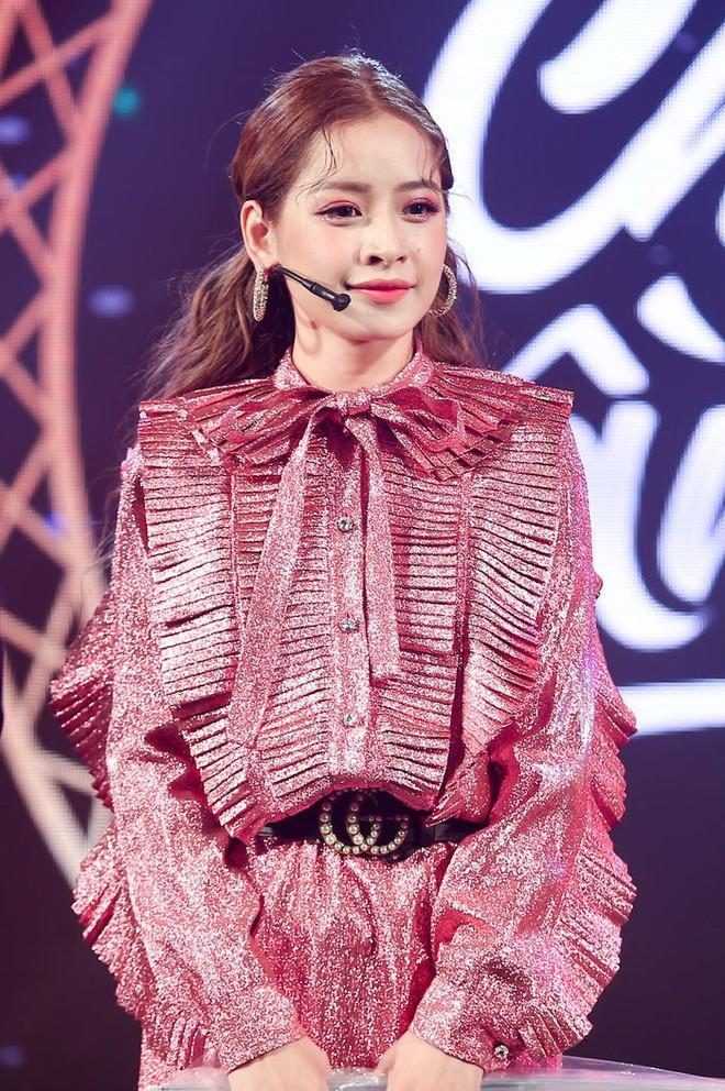 Nam Em - Chi Pu: Những người đẹp đi hát xứng danh bà hoàng thị phi của showbiz Việt - ảnh 3