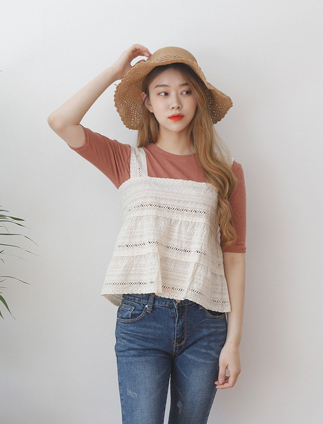 Chiếc áo 2 dây trông cực đơn giản này lại là món đồ chiếm sóng mạng xã hội Hàn Quốc thời gian gần đây - Ảnh 7.
