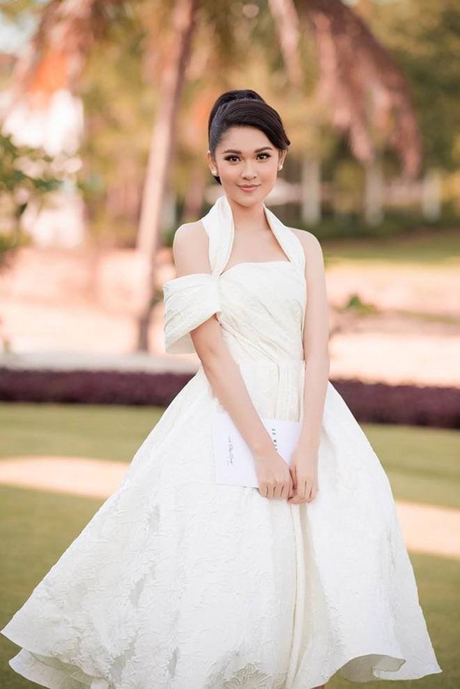Chỉ diện đồ đen trắng nhưng loạt sao Việt này vẫn sang chảnh đầy thu hút trong top sao mặc đẹp tháng 5 - Ảnh 15.