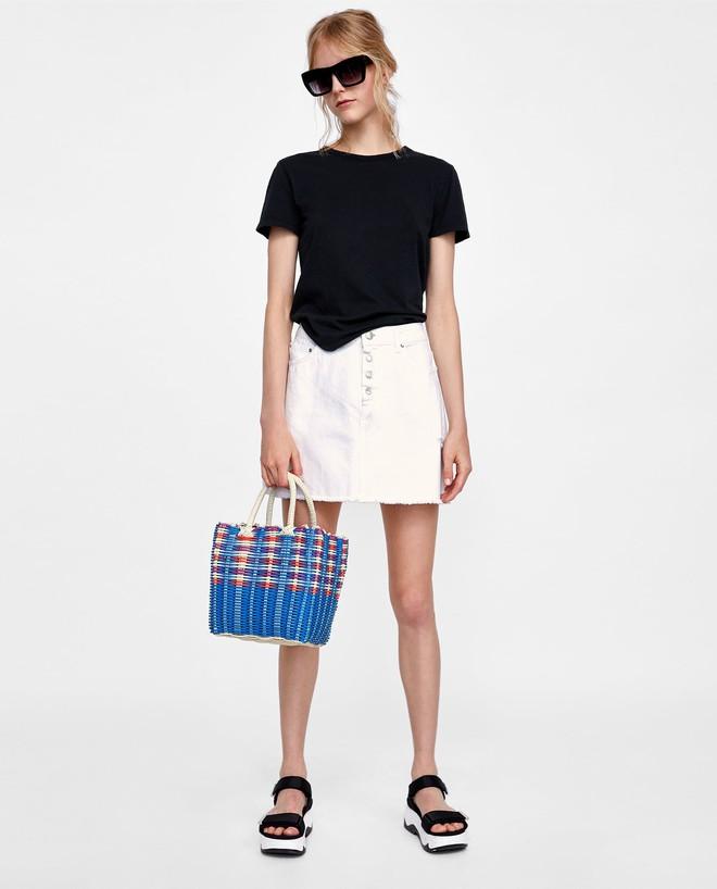 13 mẫu chân váy ngắn dáng xinh yêu mà giá cực vừa mắt đến từ thương hiệu H&M và Zara - Ảnh 7.