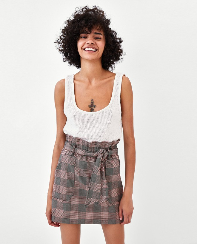 13 mẫu chân váy ngắn dáng xinh yêu mà giá cực vừa mắt đến từ thương hiệu H&M và Zara - Ảnh 9.