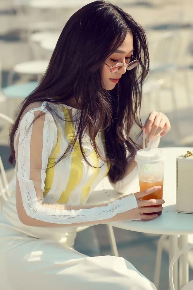 Kín đáo và thanh lịch, Khánh My vẫn cuốn hút với gu thời trang đẳng cấp - ảnh 3