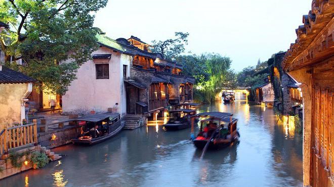 Ngất ngây với 5 cổ trấn đẹp như trong phim cổ trang ở Trung Quốc - ảnh 2
