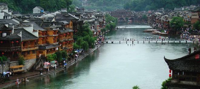Ngất ngây với 5 cổ trấn đẹp như trong phim cổ trang ở Trung Quốc - ảnh 5