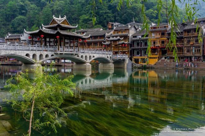 Ngất ngây với 5 cổ trấn đẹp như trong phim cổ trang ở Trung Quốc - ảnh 7
