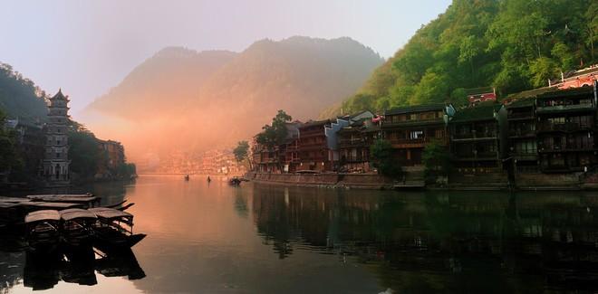 Ngất ngây với 5 cổ trấn đẹp như trong phim cổ trang ở Trung Quốc - ảnh 6