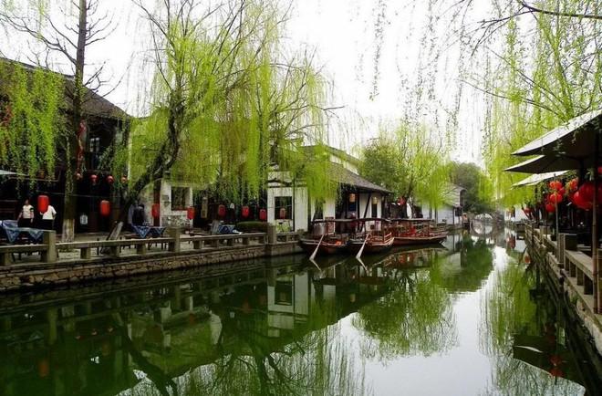 Ngất ngây với 5 cổ trấn đẹp như trong phim cổ trang ở Trung Quốc - ảnh 8
