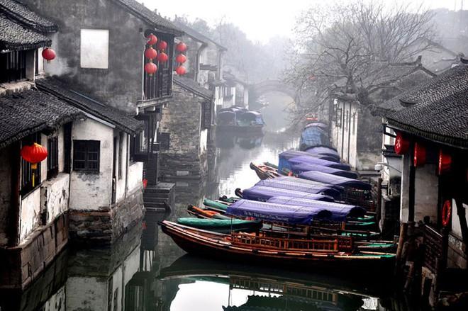 Ngất ngây với 5 cổ trấn đẹp như trong phim cổ trang ở Trung Quốc - ảnh 10