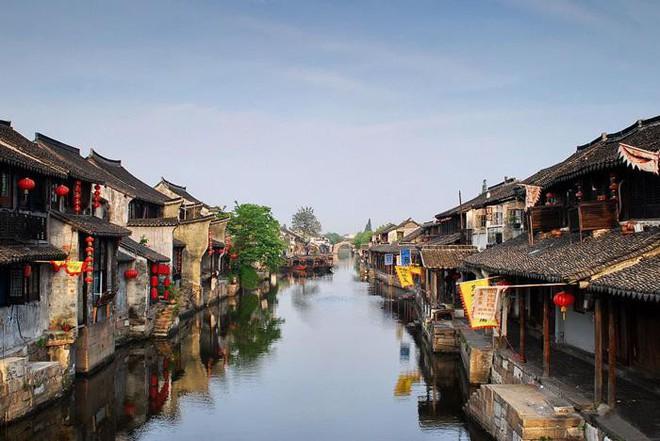 Ngất ngây với 5 cổ trấn đẹp như trong phim cổ trang ở Trung Quốc - ảnh 13