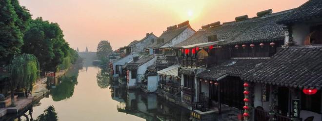 Ngất ngây với 5 cổ trấn đẹp như trong phim cổ trang ở Trung Quốc - ảnh 11