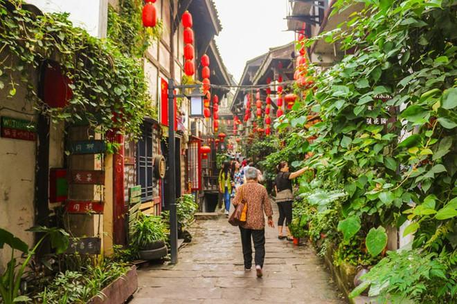 Ngất ngây với 5 cổ trấn đẹp như trong phim cổ trang ở Trung Quốc - ảnh 15