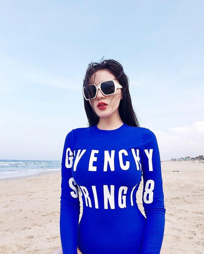 Kỳ Duyên mặc đồ bơi đẹp đến nỗi hội người mê Givenchy toàn thế giới phải lăng xê trên Instagram - Ảnh 2.