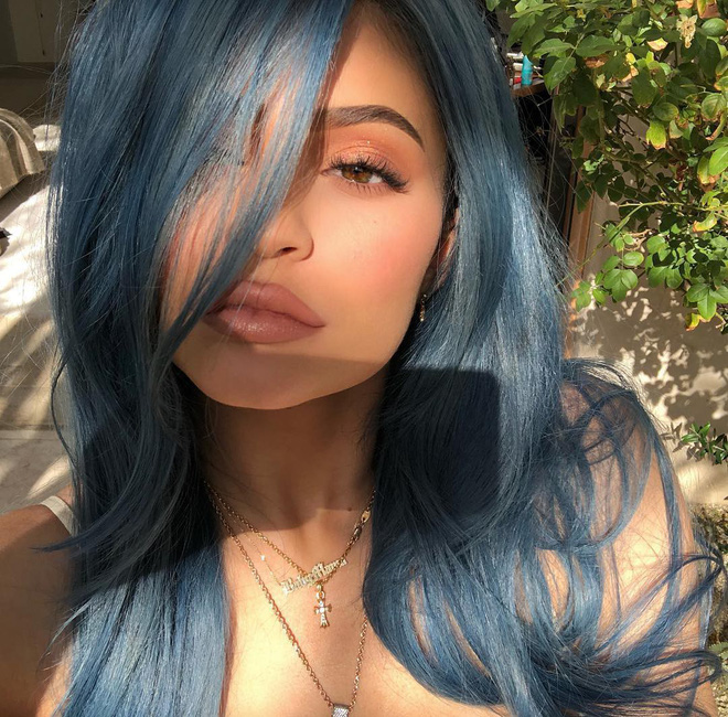 Nếu không sở hữu làn môi mỏng, chưa chắc Kylie đã có cảm hứng để tạo nên đế chế Kylie Cosmetics hùng mạnh.