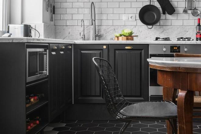 Cải tạo căn hộ từ không gian ảm đảm và nhạt nhòa thành rực rỡ sắc màu - Ảnh 10.