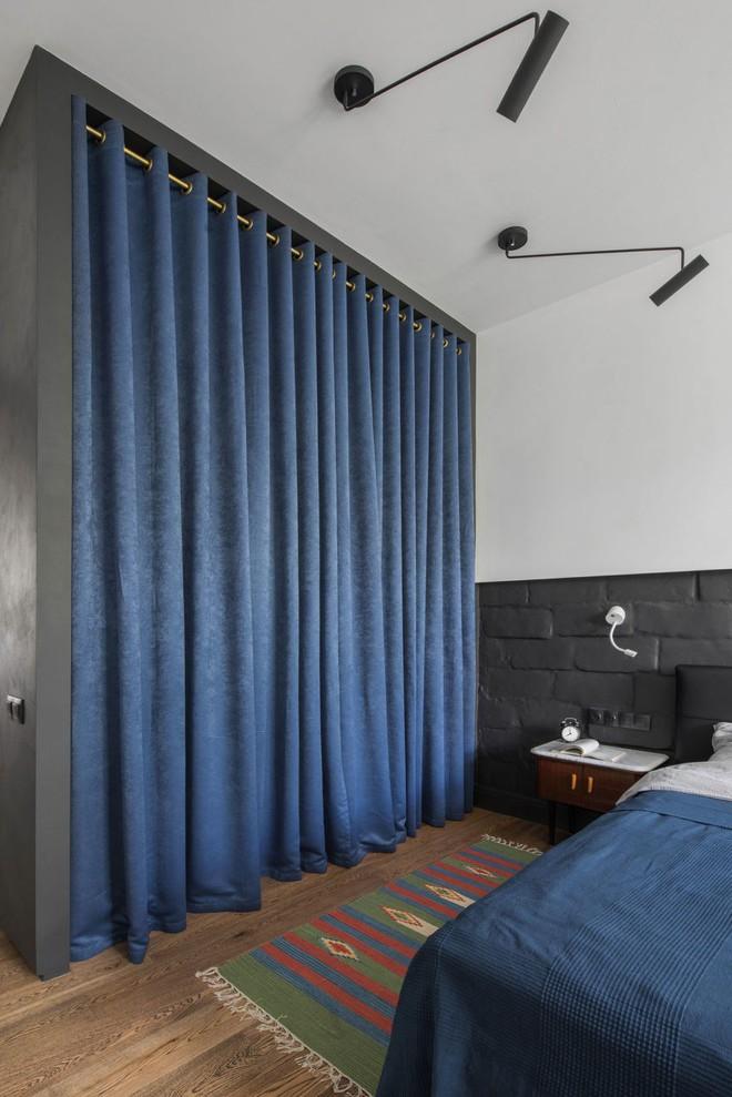 Cải tạo căn hộ từ không gian ảm đảm và nhạt nhòa thành rực rỡ sắc màu - Ảnh 14.