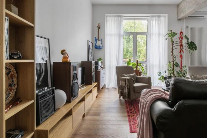 Cải tạo căn hộ từ không gian ảm đảm và nhạt nhòa thành rực rỡ sắc màu - Ảnh 4.