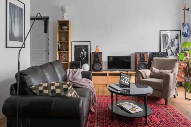 Cải tạo căn hộ từ không gian ảm đảm và nhạt nhòa thành rực rỡ sắc màu - Ảnh 7.