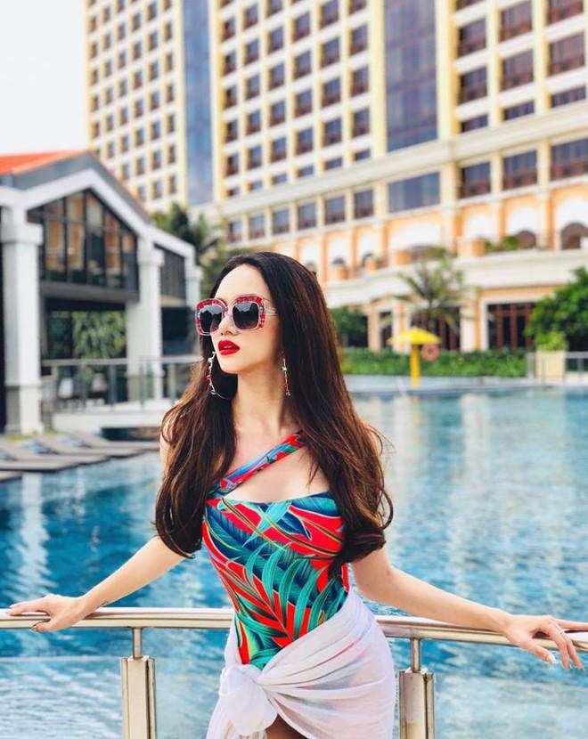 Suốt từ đợt thi HH chuyển giới đến giờ mới thấy Hương Giang lại khoe dáng với đồ bơi gợi cảm - Ảnh 2.