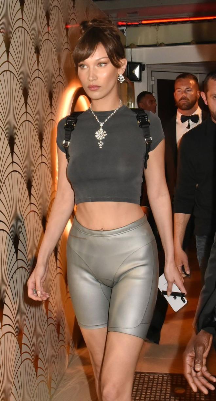 Nhìn lại mới thấy, công nương Diana mặc đồ thể thao ngầu có kém gì các fashionista thời hiện đại - Ảnh 5.