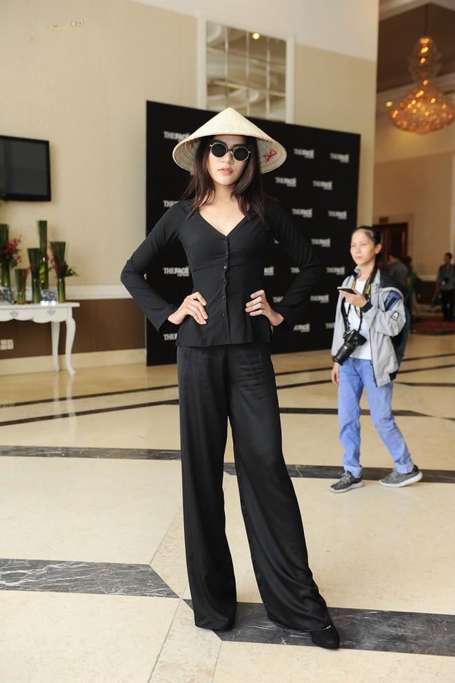 Tại Việt Nam, vòng casting của các TV Show thường kiêm luôn chức năng của lễ hội... mặc dị - Ảnh 3.